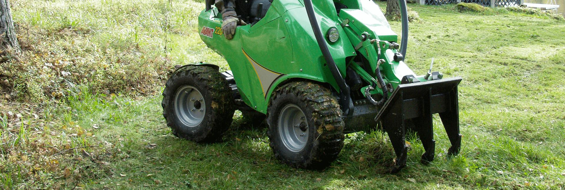 arbejdsbillede af grubber redskab til avant, beregnet til at fjerne rødder og løsne jord