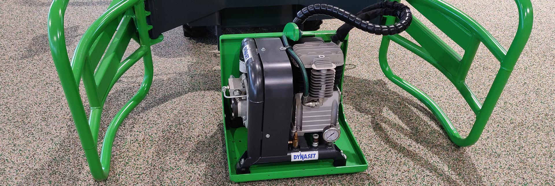 miljøbillede af kompressor redskab til på avant minilæsser
