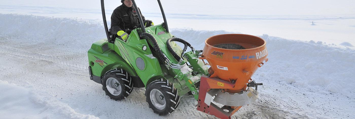 Bliv klar til vinter med denne hydrauliske sand - og saltspreder fra Avant
