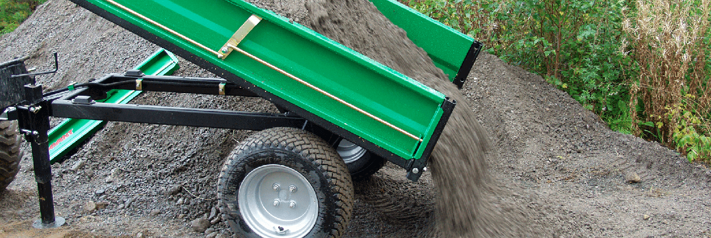 Arbejdsbillede af tiptrailer til en avant minilæsser og fragt af jord