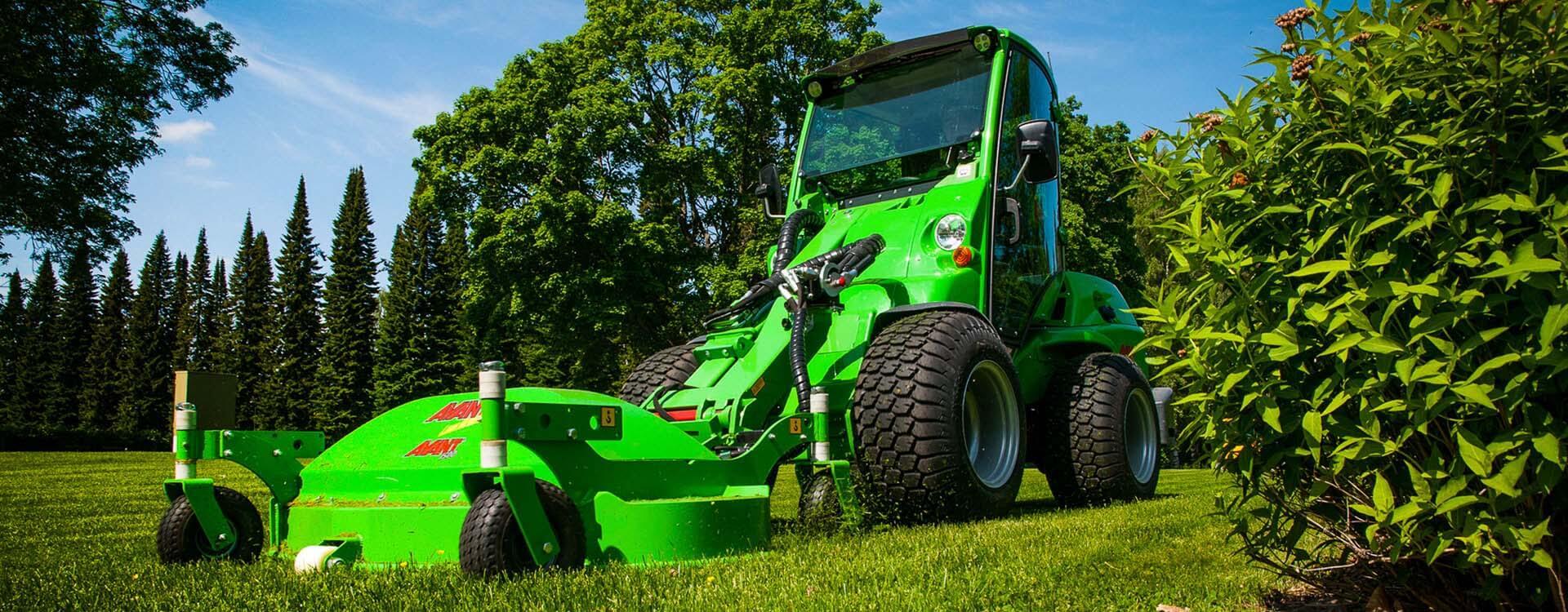 AVANT 700 med græsklipper miljøbillede
